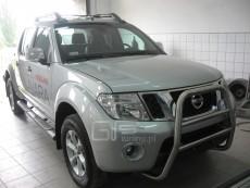 Nissan Navara 2010+ Wysoki przód z grillem